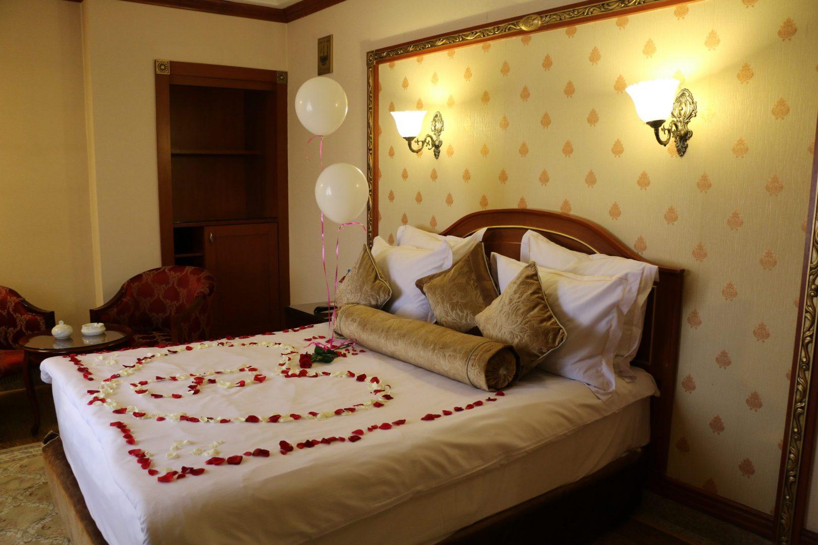 نکاتی که در مورد رزرو هتل در مشهد به شما نمی گویند!